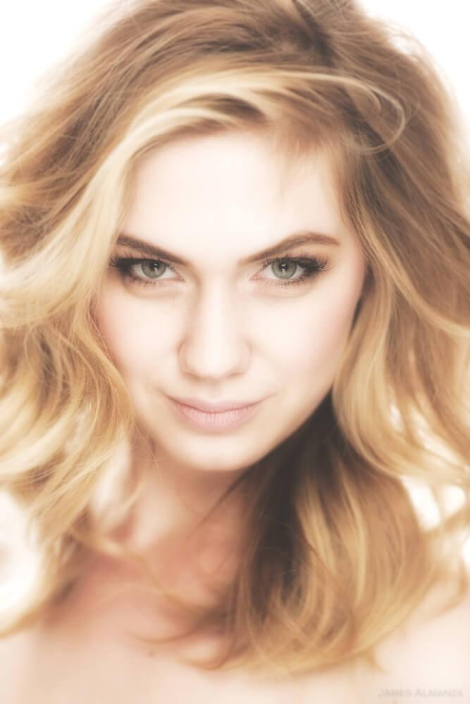 Lindsay Viker